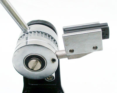 Linear ball bearing string gripper with unidirectional clutch (locking ratchet system)